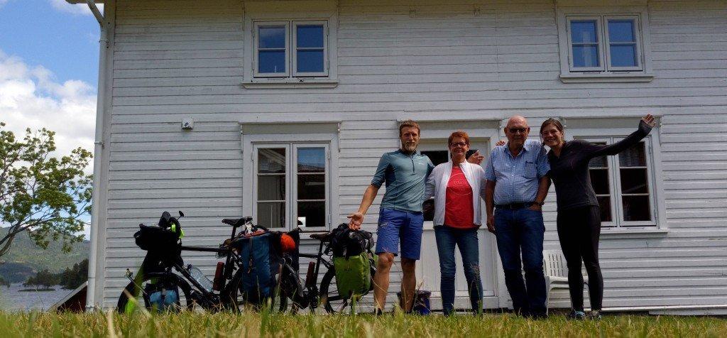 Berit et Gunnar, un couple de norvégien qui a le cœur sur la main (Lunden, lac de Vradal)