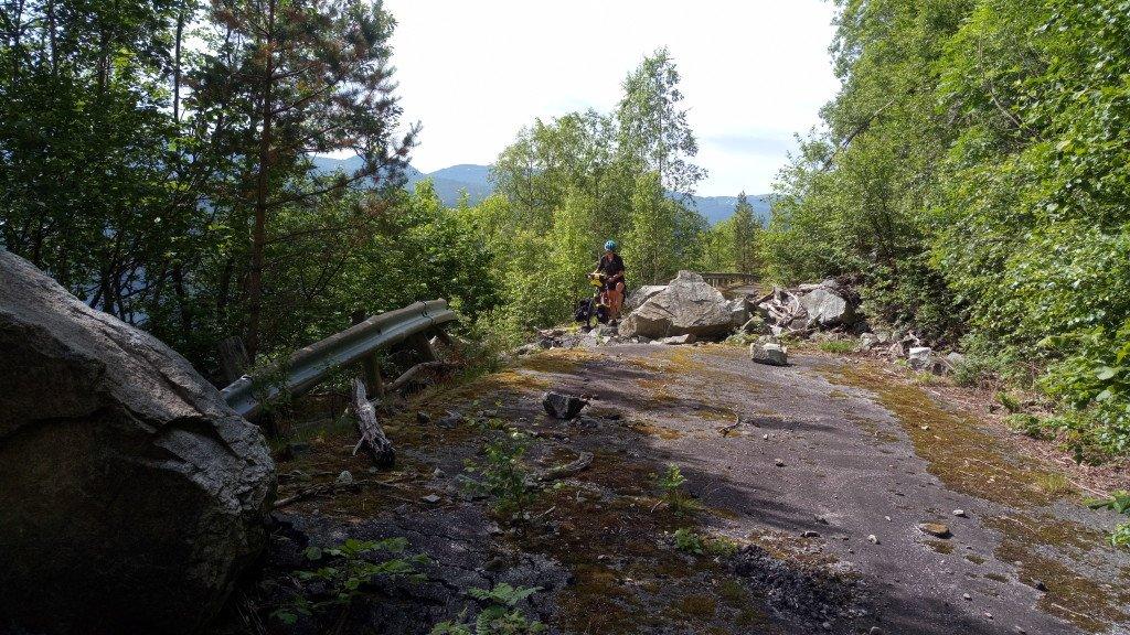 Les routes annexes (pas toujours en bon état)